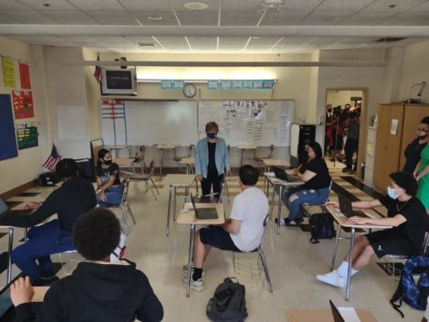 Randi Weingarten takes time to speak with JSEC students